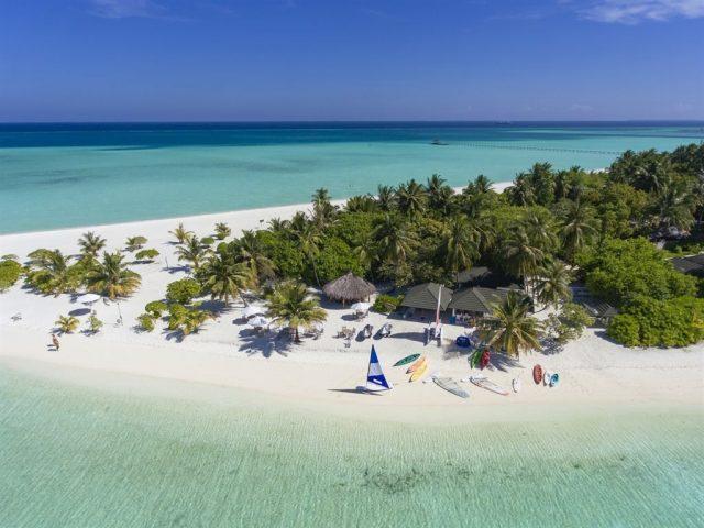 https://www.cmm.com.mv/wp-content/uploads/2021/03/6133708_holiday-island-resort_164452-640x480.jpeg