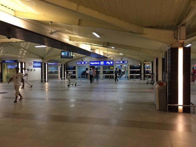 https://www.cmm.com.mv/wp-content/uploads/2021/03/Leeli-Lounge-Male-Airport-Maldives-30-640x480.jpg